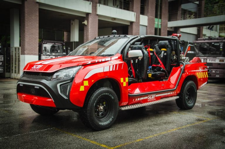 Red Rhino LF5G fire truck douses flames in small city spaces